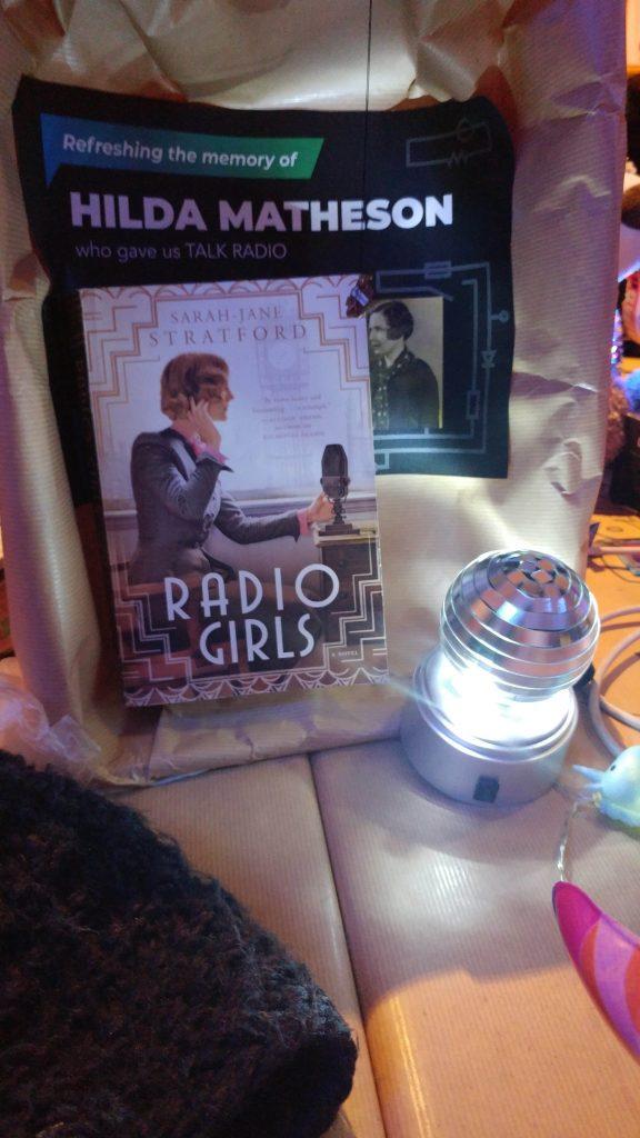 """Memorial Hilda Matheson mit Buch """"Radio Girls"""""""